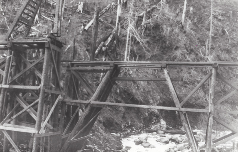 First of two photos depicting a trestle construction in progress, taken around 1910.