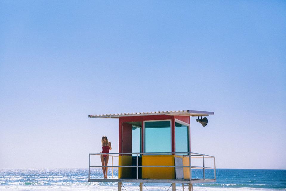 zoe-cross-baywatch-aloha-bikini-lover-7-960x640.jpg