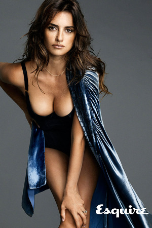 penelope-cruz-sexiest-woman-alive-esquire-1-300x450.jpg