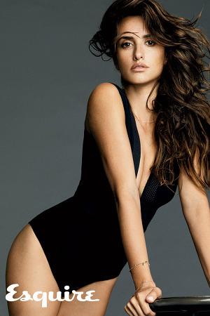 penelope-cruz-sexiest-woman-alive-esquire-2-300x450.jpg