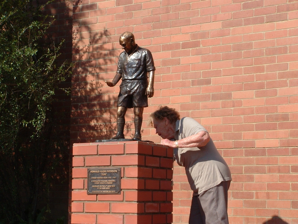 On 4 June 2005, Jean Paterson unveils the statuette   of her late husband   Donald Paterson,    donated to Weston Agricultural College by the Old Boys' Association