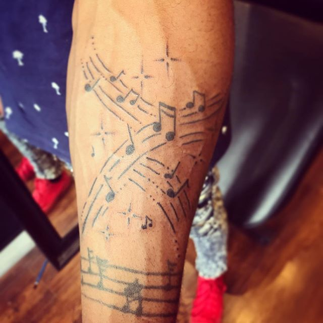 Some free-handed music to add on to his first tattoo ever. We're gonna continue the music theme up his arm as time goes on.  #tattoo #tattoos #tattooedguys #torontotattoo #torontotattoos #torontotattooartist #torontotattooartists #toronto #torontoink #torontoinknews #yyz #thesix #the6ix #guyswithink #guyswithtattoos #musictattoo #kensington #kensingtonmarket #collegest #palmerston