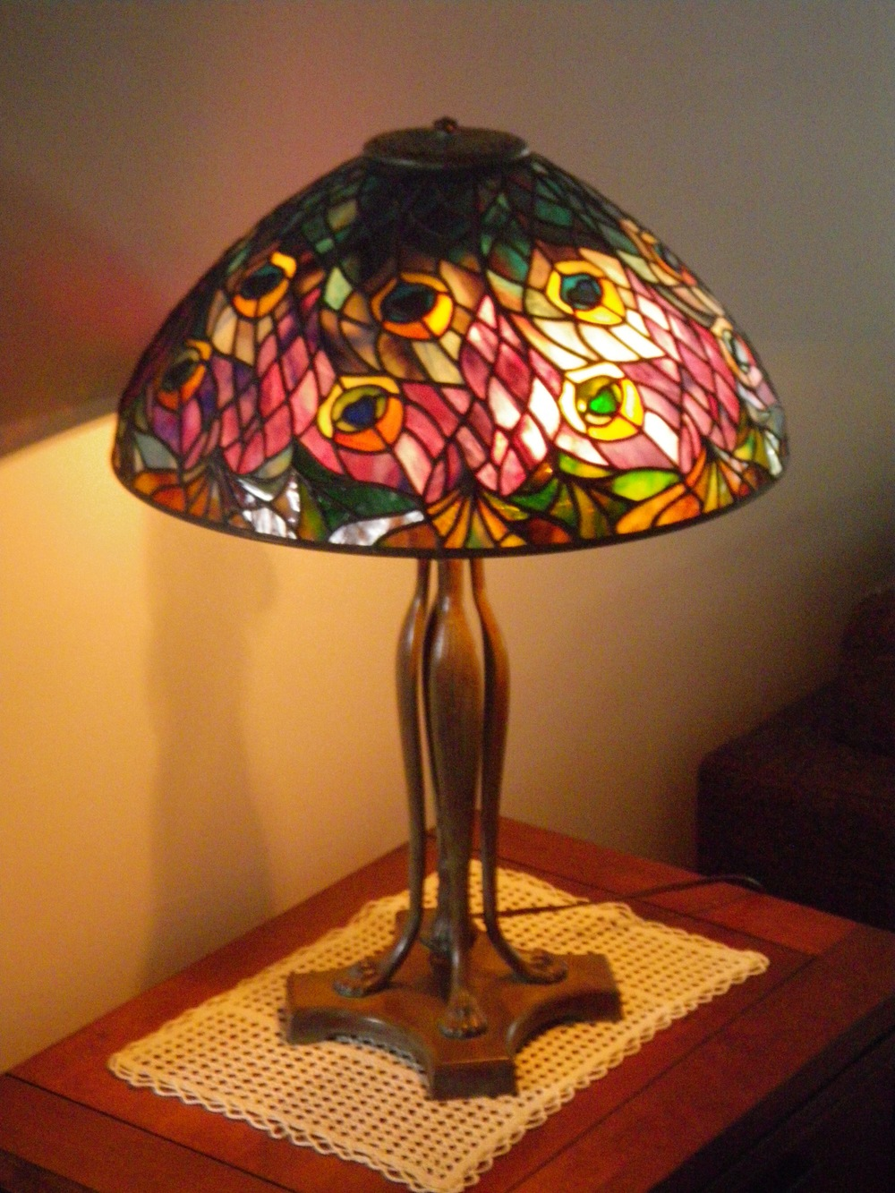 "16"" Tiffany Peacock Table Lamp"