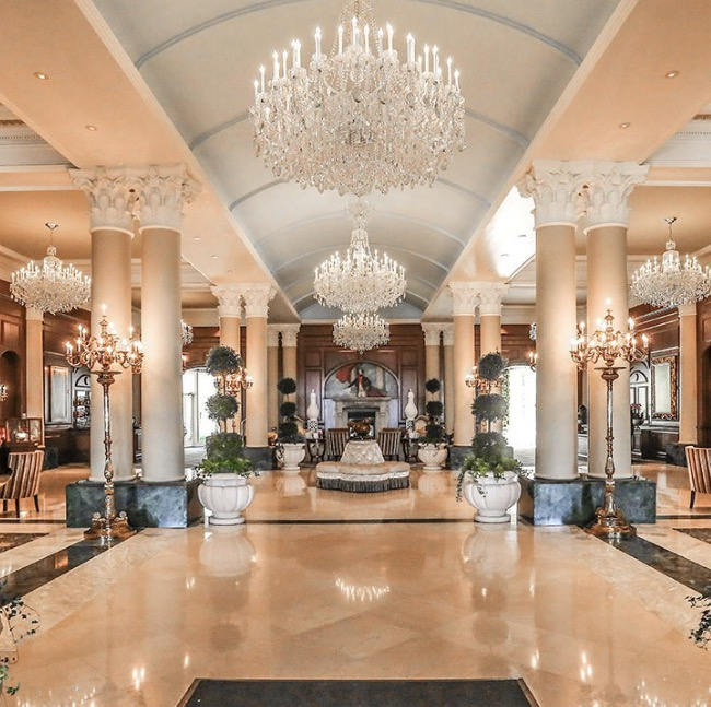 grand reception lobby at the chateau lafayette
