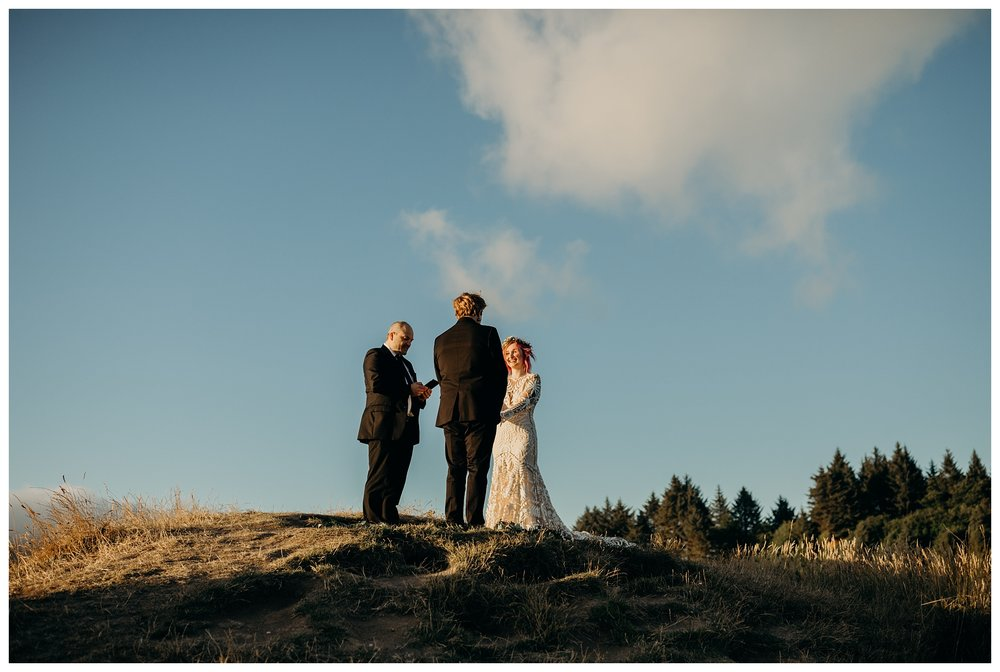 lexi-gage-oregon-coast-elopement (209 of 369).jpg