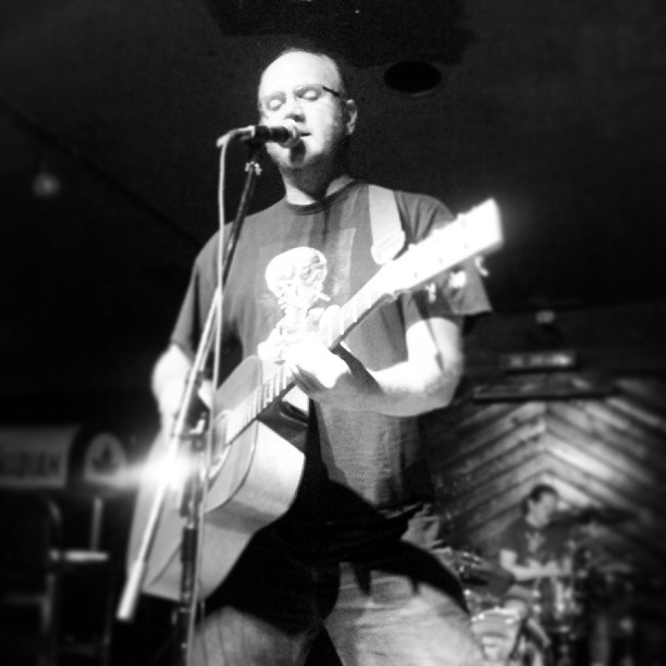 www.ashleybieniarz.com - Pianist | Singer-Songwriter | Winnipeg Music Blogger Beef Donut
