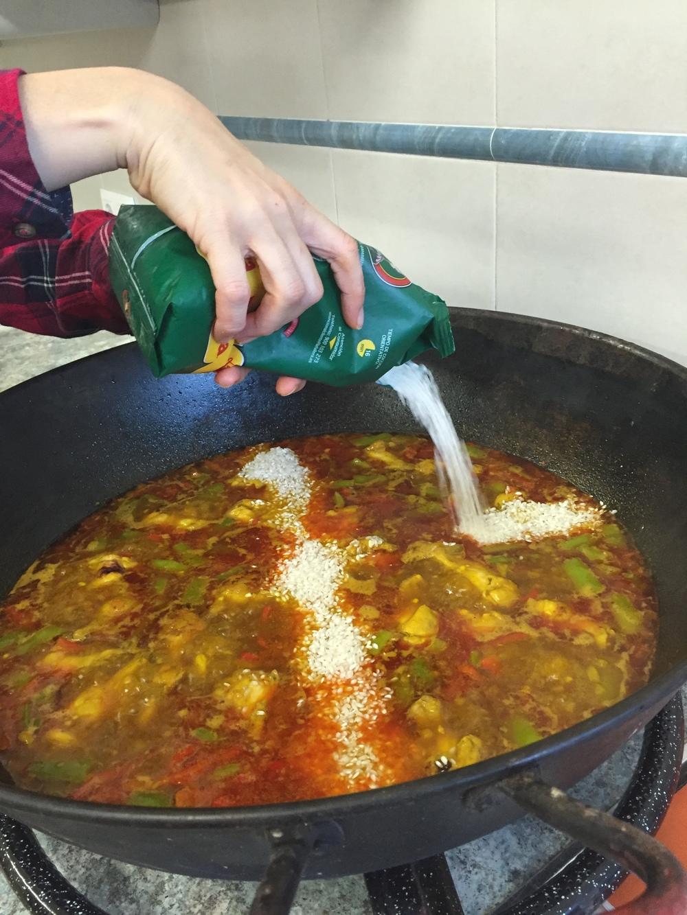 Melissa making paella // Melissa Ratter