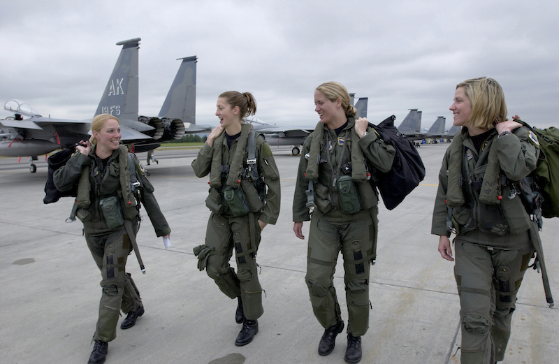 This announcement opens all jobs, including combat, to women. | PC: military.wikia.com, womenfothemilitary.com