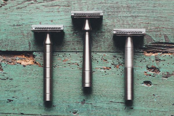 Premium light all-metal travel razors by Thomas Clipper