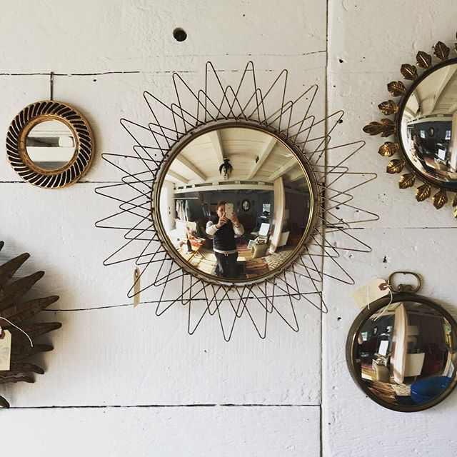 Parisian mirrors to brighten up any spot #cloverdesign #parisfinds #vintagemirrors #findyourclover
