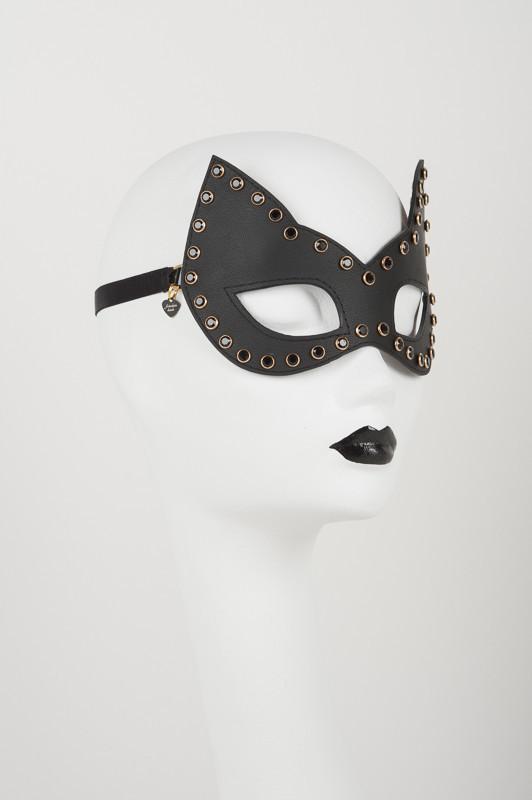 onyx crystal mask