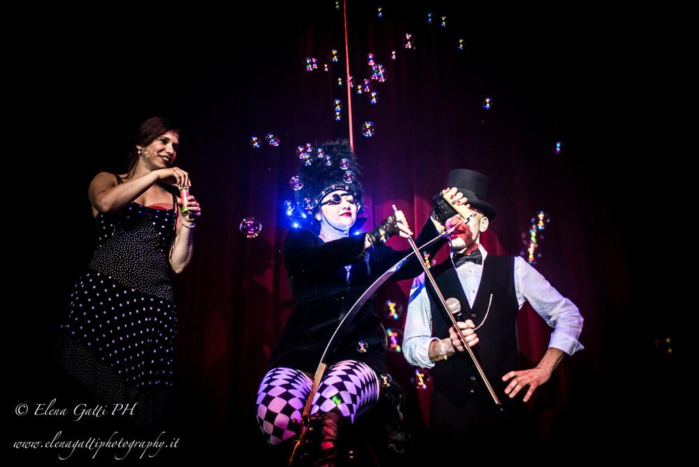 vibrissa-royal-burlesque-revue-voodoo-deluxe-milano-elena-gatti.jpg
