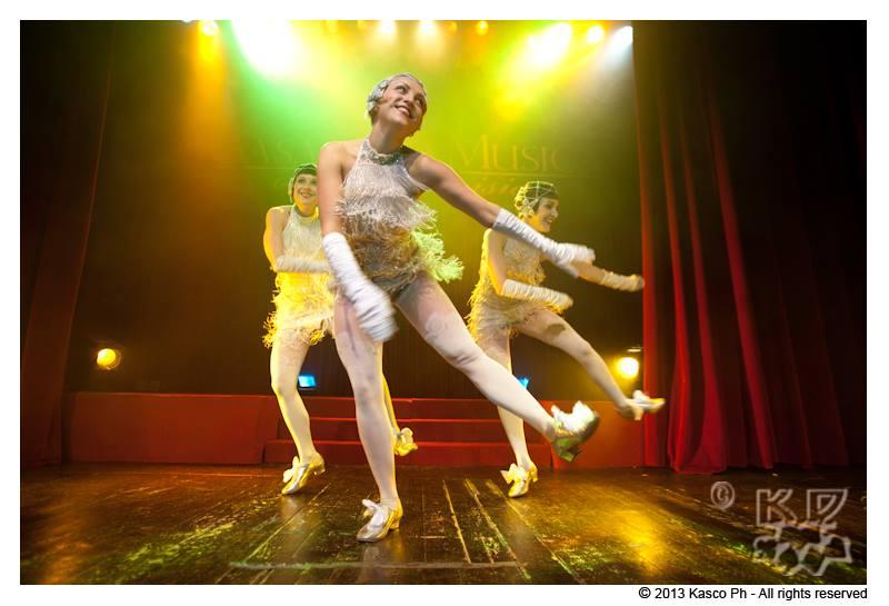 bees-Knees-burlesque-revue-kasco-charleston-agenzia-voodoo-deluxe.jpg