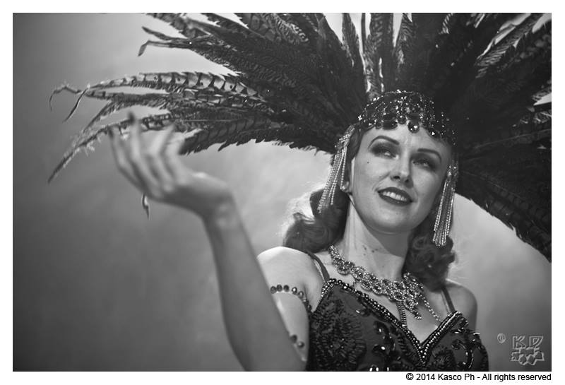 burlesque-revue-milano-agenzia-voodoo-deluxe-bettina-may.jpg