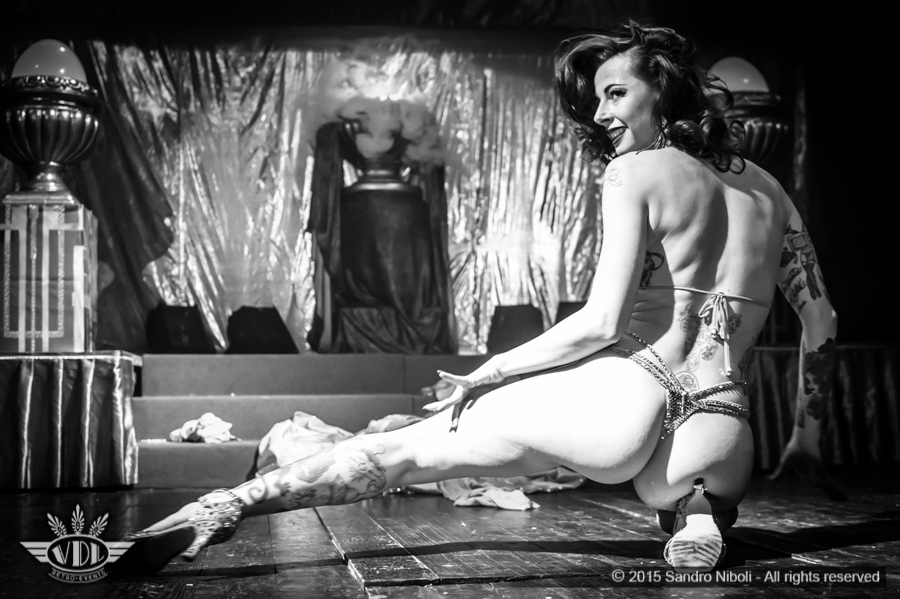 bianca-nevius-burlesque-milano.jpg
