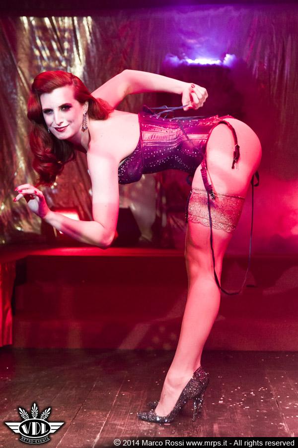 milan-burlesque-expo.jpg