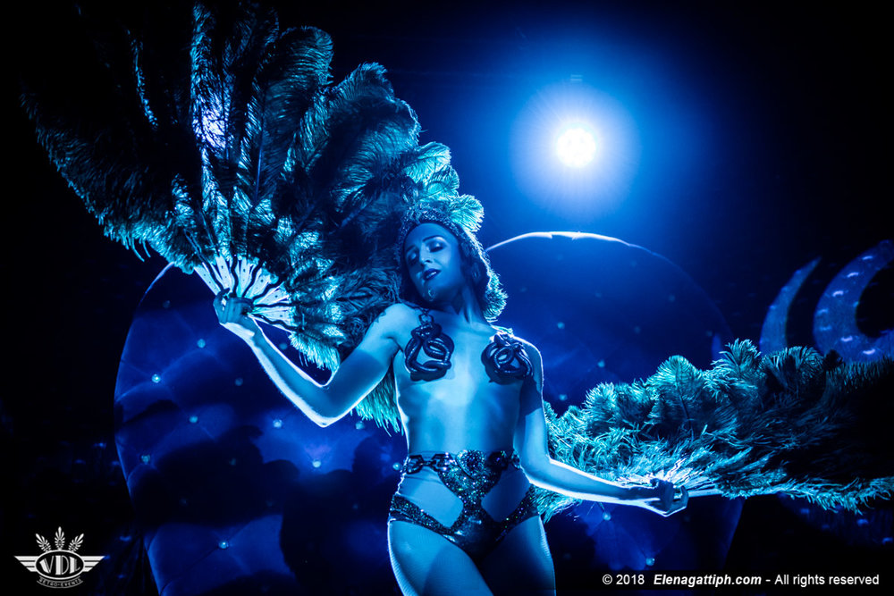 Selene Du Styx - Royal Burlesque - Christmas Party-94.jpg