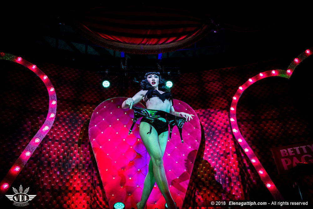 mRoyal Burlesque - Christmas Party-41.jpg
