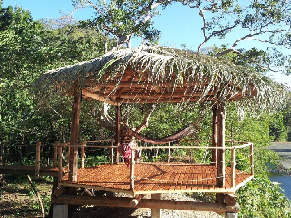 komp-FincaAustria_JungleLodge-Rancho-1(800x600).jpg