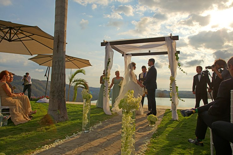 Click image to enter Honeymoon Suite
