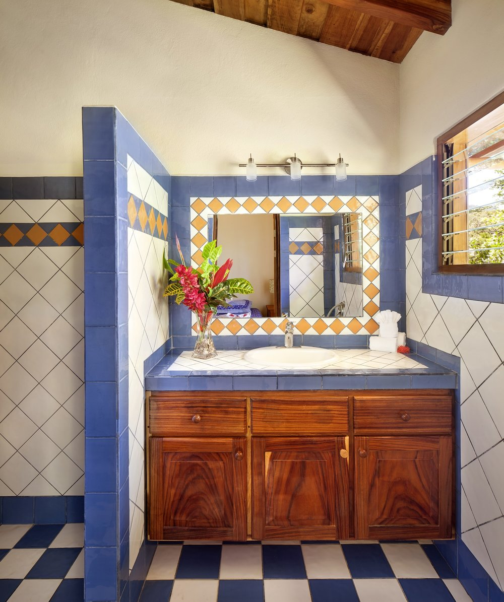 MangoCottage1116_Bathroom.jpg