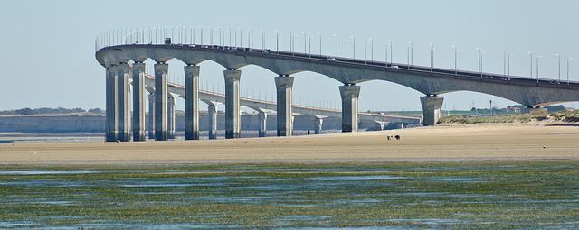 The impressive bridge joining Île de Ré to the mainland; Chris Parfitt, Creative Commons  licence