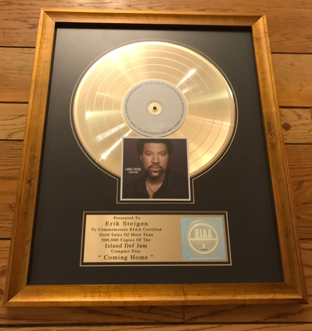 Lionel Richie Going Home plaque.jpg