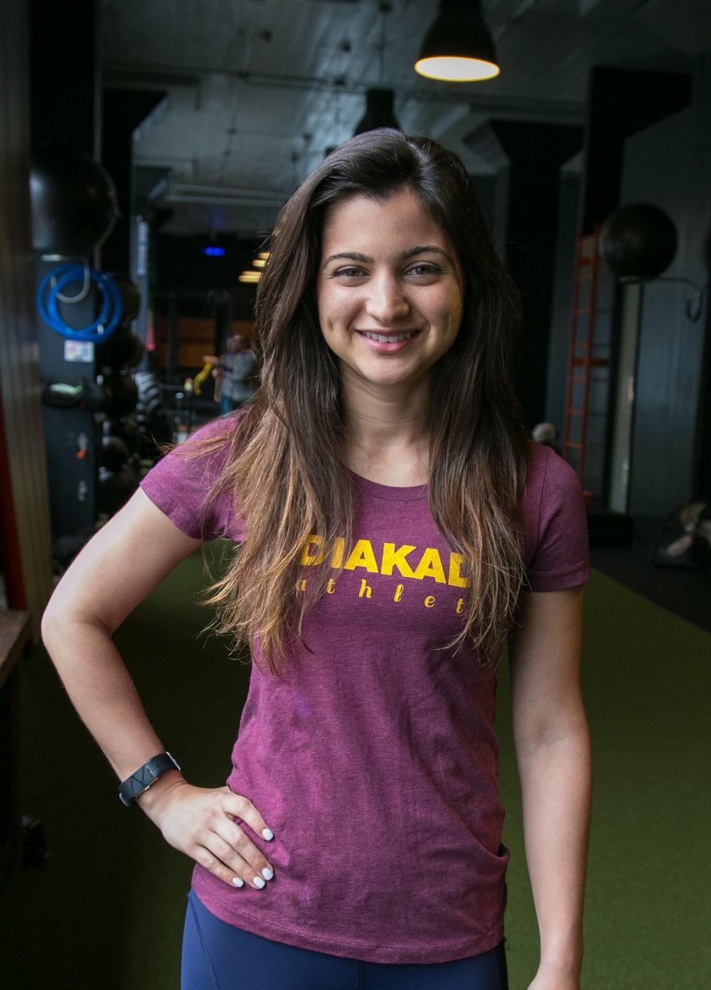 Mari Crestiani yoga holistic trainer DIAKADI.png.jpg