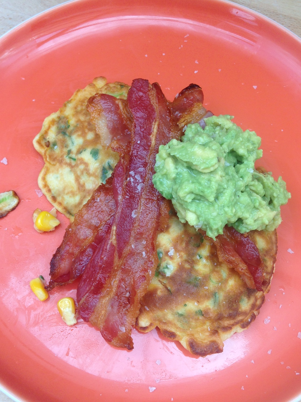 sweetcorn fritters, avo and bacon