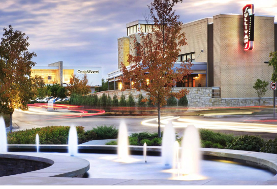Town Center Apartments in Overland Park, KS You're sure to find the perfect home. Life as it should be. End your search today and know you made the right choice. Live in the sought after location of Overland Park where the best shopping and dining are just blocks away.
