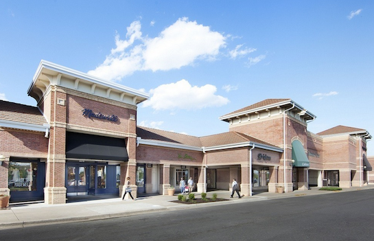 Town Center Plaza is a 430,000 square foot open air shopping center located at 5000 W. 119th Street, Leawood, KS. The upscale shopping center is home to more 90 retailers and restaurants such as, Macy's, Pottery Barn, Anthropolgie, Madewell, J. Crew and Bravo! Cucina Italiana.