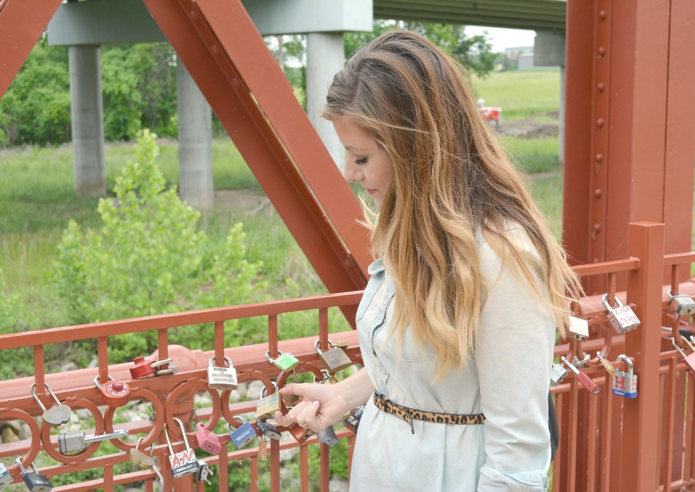Love lock red bridge kc