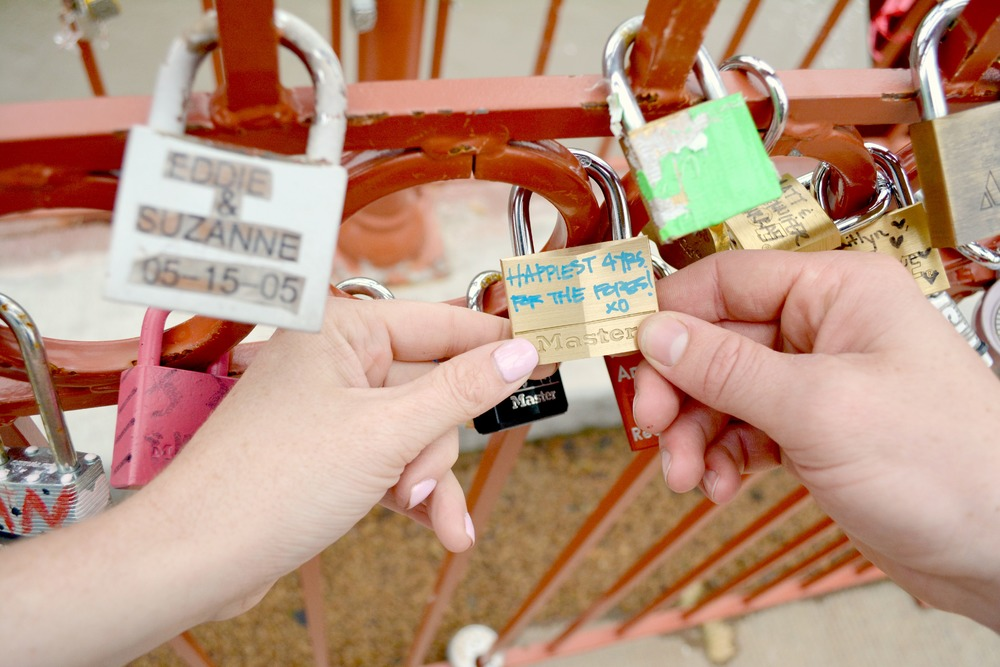 love lock bridge kc