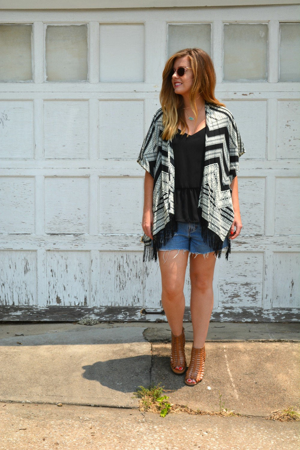 Black tank with printed kimono and vintage shorts on Sophisticaited.com