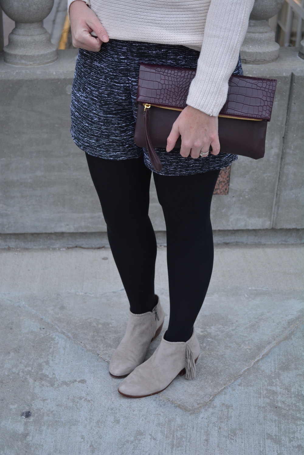 Old Navy cream sweater with tweed shorts and tights for holiday party #oldnavystyle