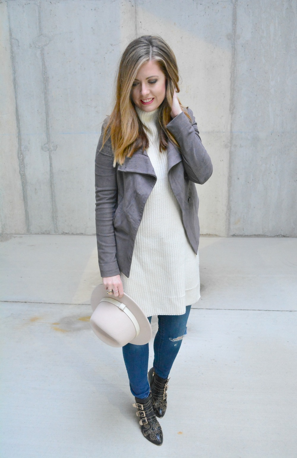 Sweater tunic with suede jacket for winter