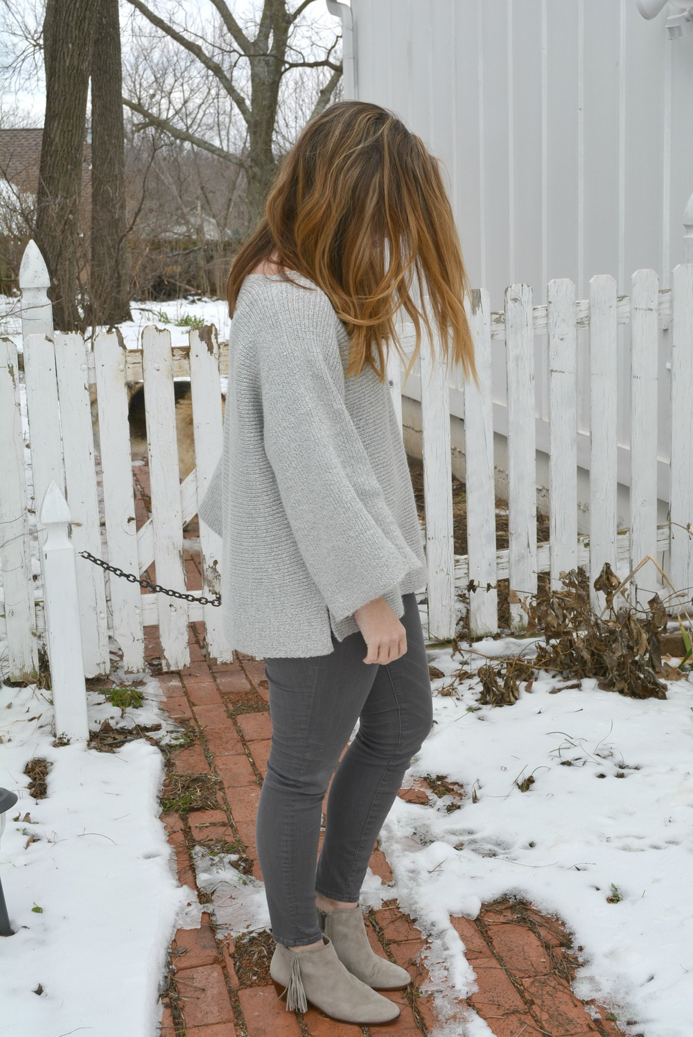 Monochromatic gray outfit