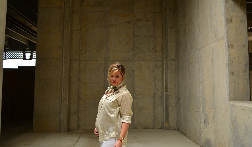 J.Crew bandana with gold button down shirt and white jeans for casual #maternityoutfit