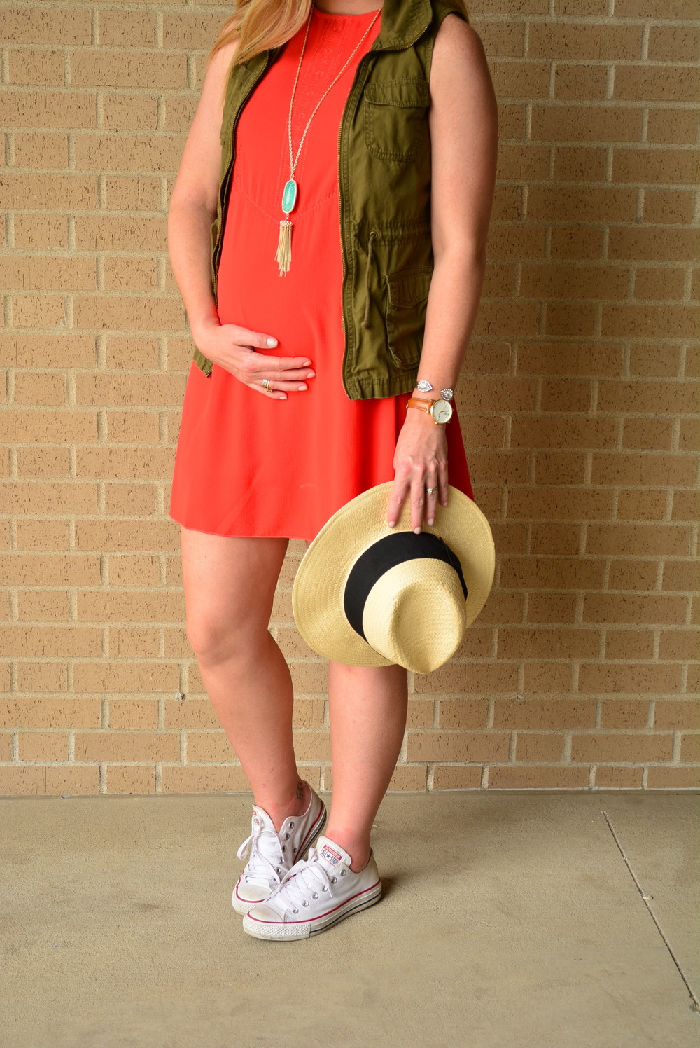 Summer maternity outfit third trimester #maternityoutfit