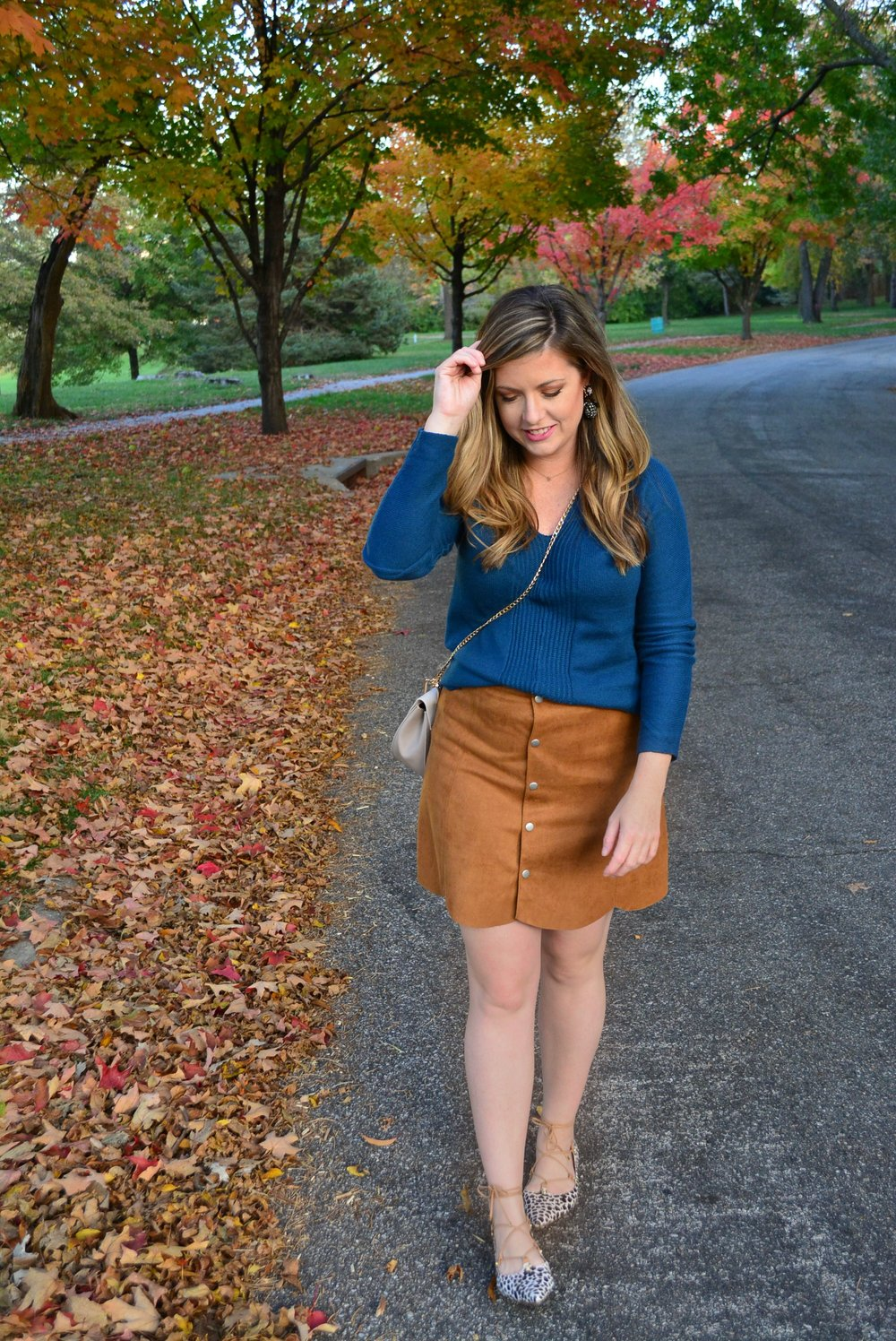 Tan suede skirt outfit
