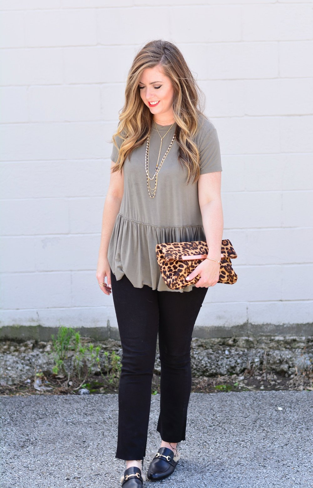 Olive tee and black jeans for fall