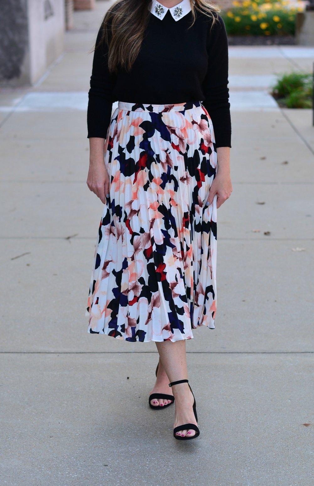 Printed skirt for fall