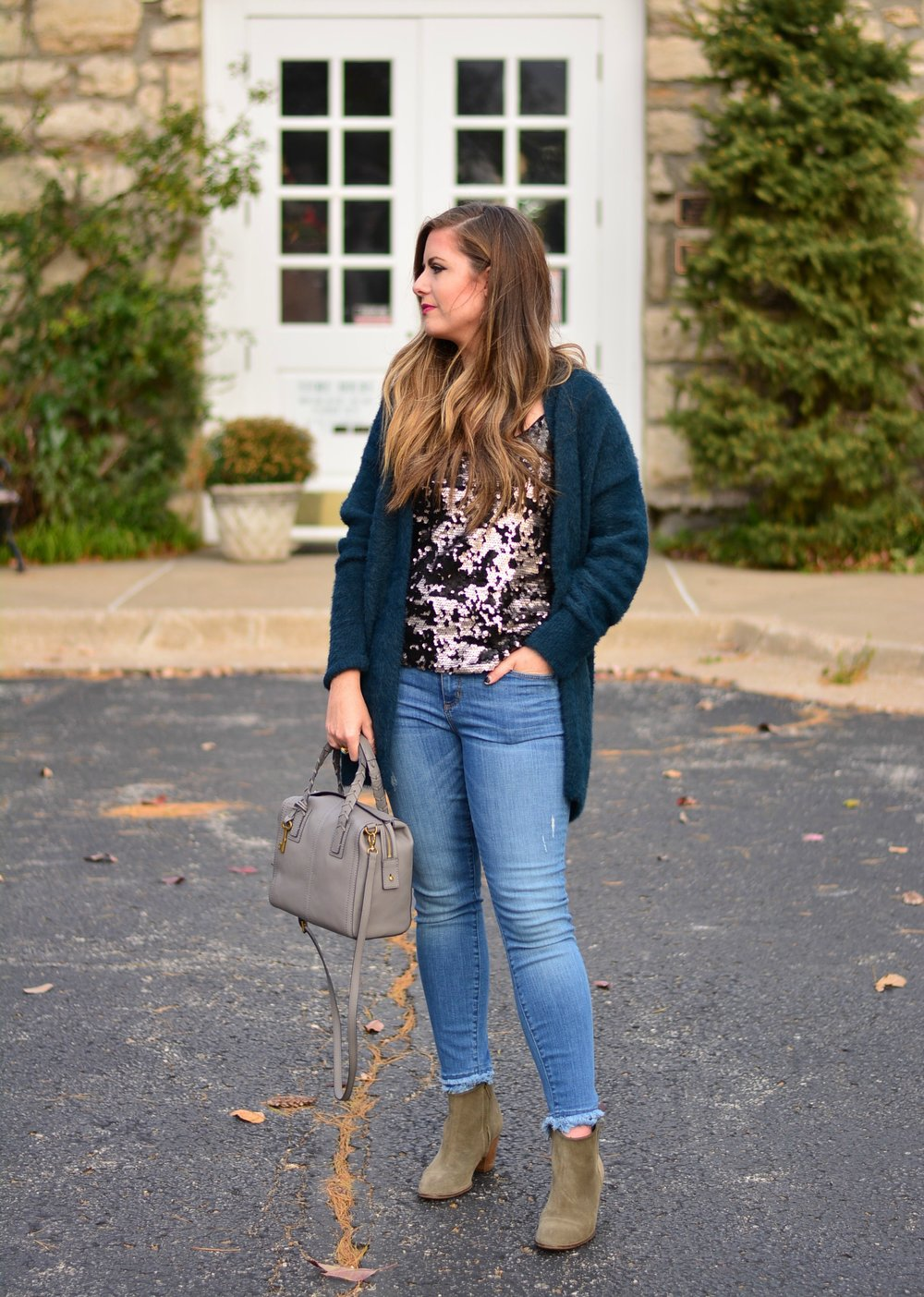 Fall Outfit Inspiration / Sequin Tank