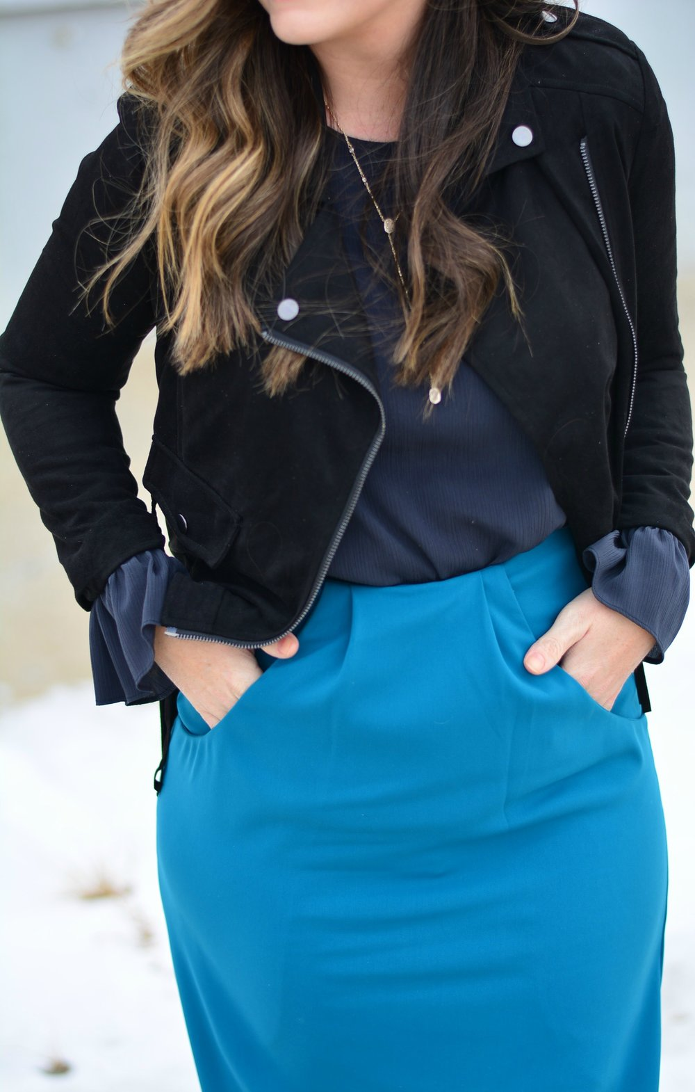 Teal midi skirt / Winter Outfit