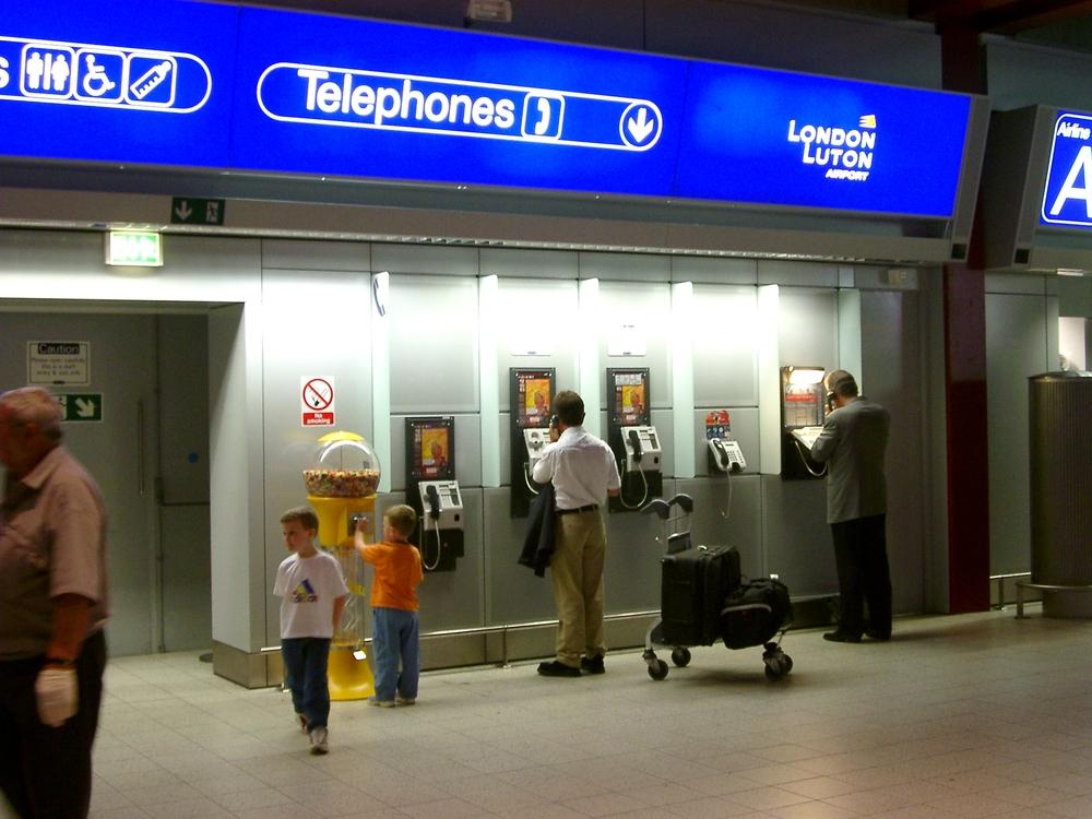 Phones, Luton.jpg