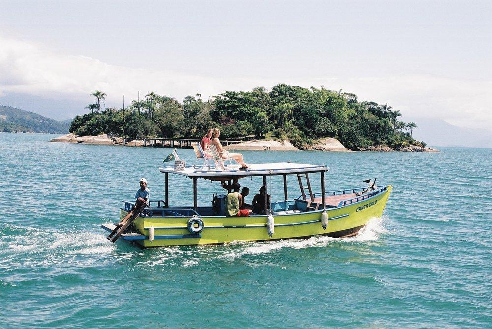 Green boat, Parati.JPG