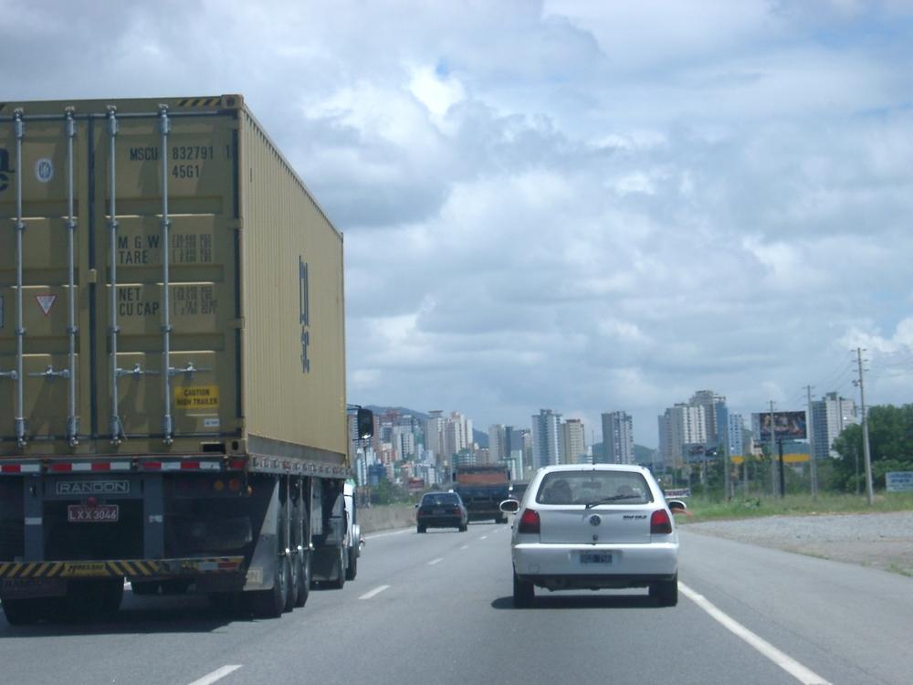 Road, Itajai.JPG