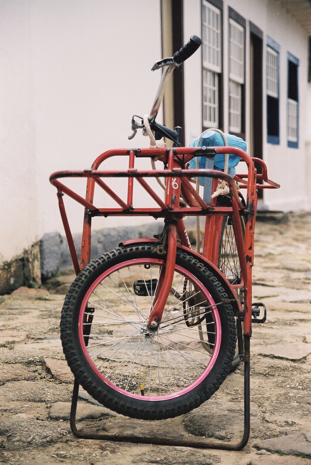 Delivery Bike, Parati.JPG