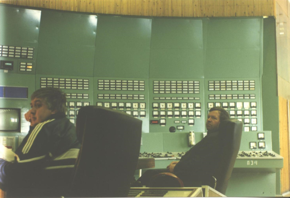 Nuclear operators in the control room of the Kola Nuclear Power Plant, Apatity, Russia. (JAMES FLINT)