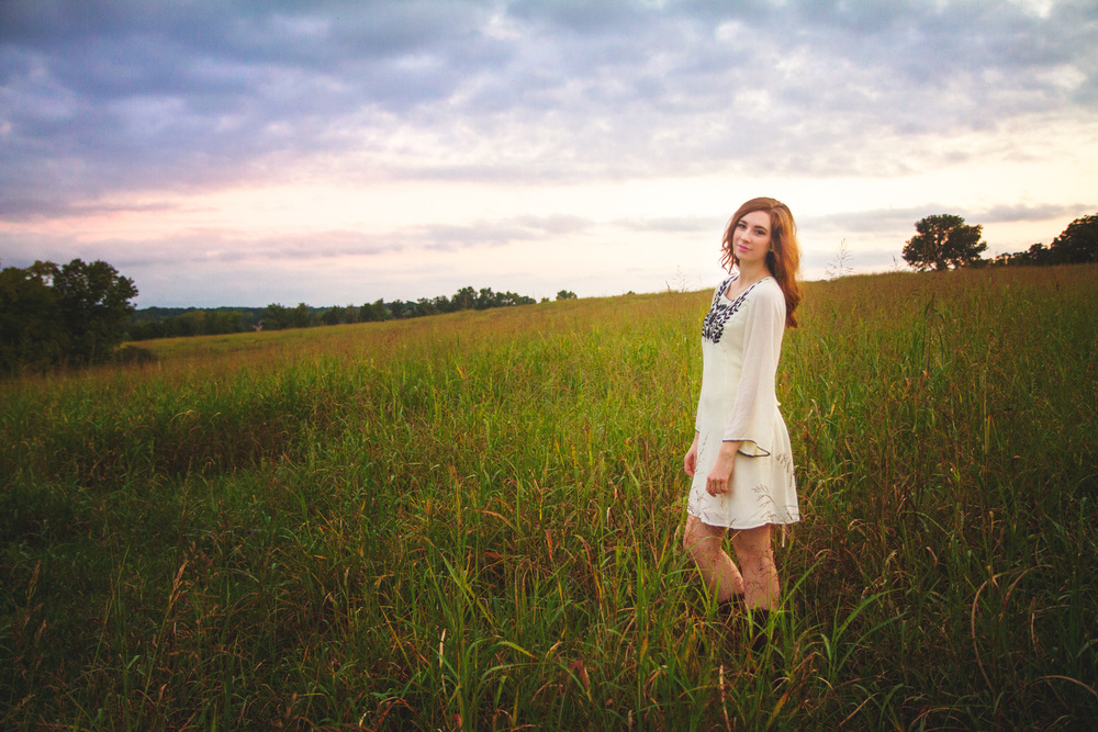 Senior photos in field nixa mo